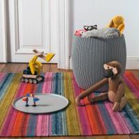 Стол-сундук Knit Cozies